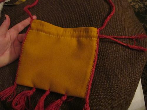 Medieval textile purse - 28
