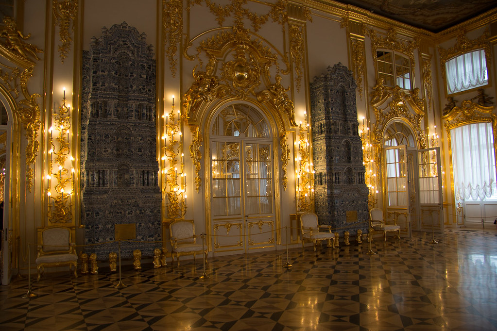 Blue and white dutch pottery in Catherine Palace