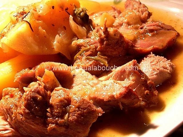 Rôti de Porc & Pommes de Terres Mijotés au Champagne © Ana Luthi Tous droits réservés