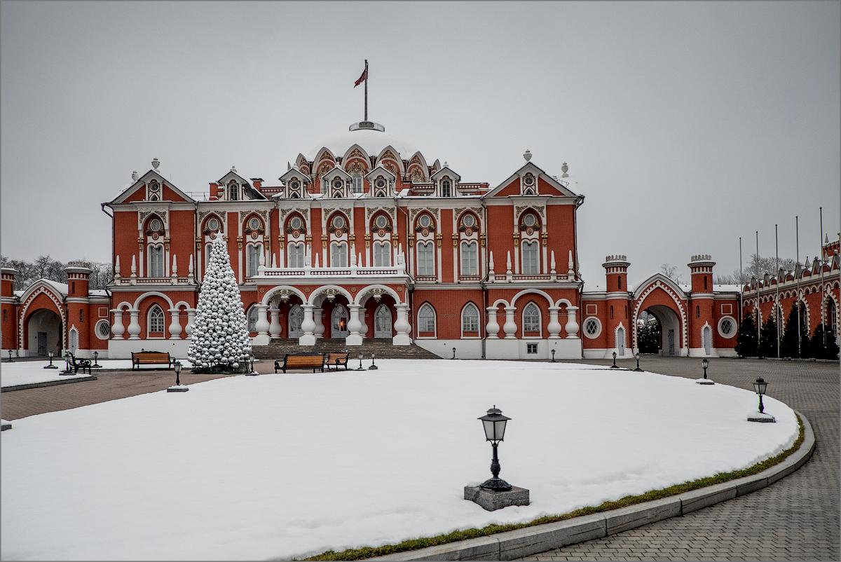 дворцы москвы фото фильмах ельчин стал