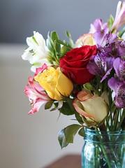 flower arranging, garden roses, cut flowers, flower, purple, yellow, floral design, plant, centrepiece, flora, flower bouquet, floristry, peruvian lily, pink, petal,