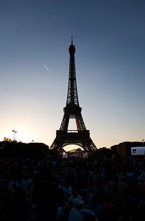 Coucher de soleil en attendant le feu d'artifice du 14 Juillet à la Tour Eiffel