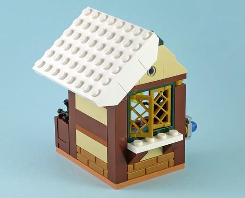 LEGO 40106 Toy Workshop 13
