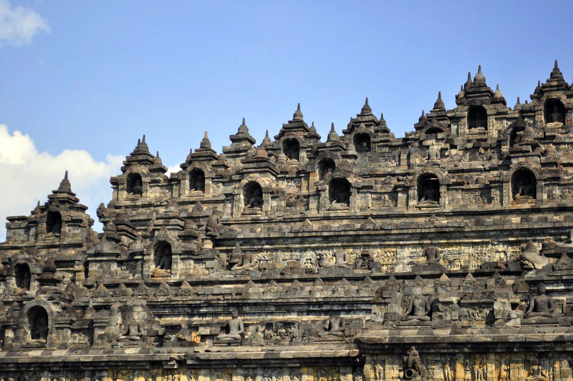 Templo de Borodubur yogyakarta - 15633754094 6b40c9a126 o - Cosas que hacer en Yogyakarta y datos prácticos