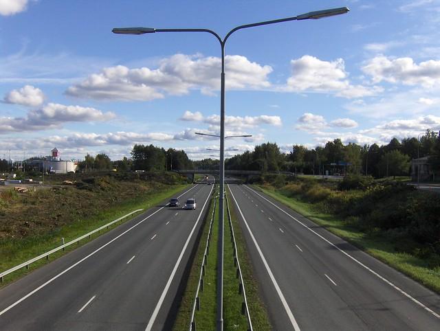 Hämeenlinnan moottoritiekate ja Goodman-kauppakeskus: Työmaatilanne 11.9.2011 - kuva 3