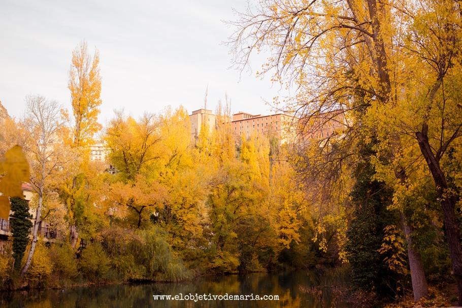 Cuenca pintada de amarillo