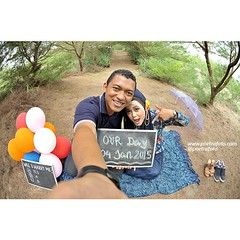 Selfie. Just a simple prewedding photo for Meily & Herry. Pre wedding photoshoot in Yogyakarta. Prewedding photo by @Poetrafoto.   Visit our gallery on http://prewedding.poetrafoto.com and our FB http://fb.com/poetrafoto for more bigger prewedding photos.