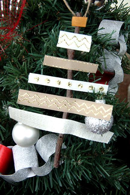 On-Tree_Ribbon-Ornament