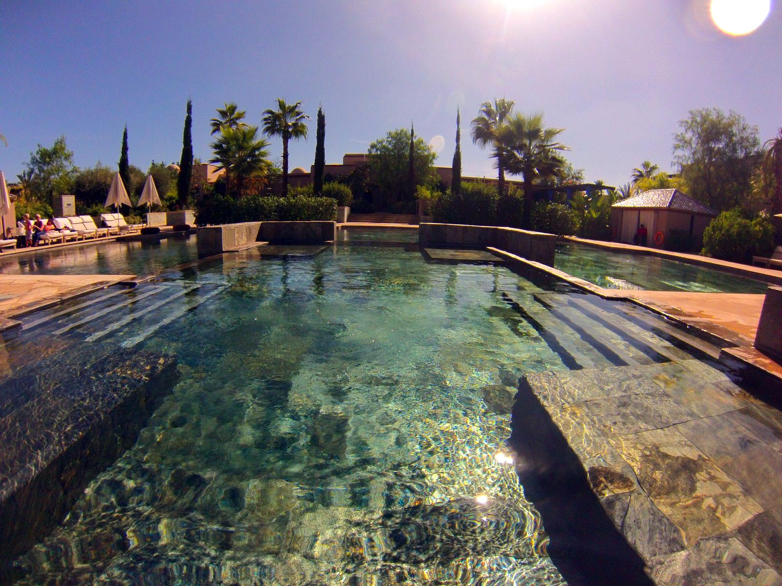 Habitaciones del Four Seasons Marrakech four seasons marrakech - 15905967571 b9e8090d74 h - Four Seasons Marrakech, oasis en la ciudad roja
