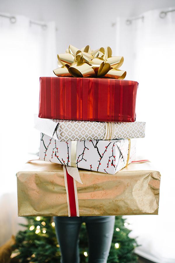 eatsleepwear, ecco-domani, prosecco, gift-wrap, holiday, 12
