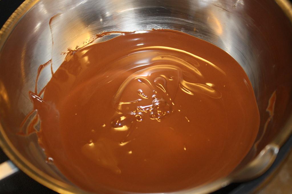 Chokolademousse med nøddebund (12)