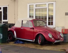 automobile, volkswagen beetle, automotive exterior, wheel, vehicle, automotive design, city car, compact car, volkswagen type 14a, antique car, land vehicle,