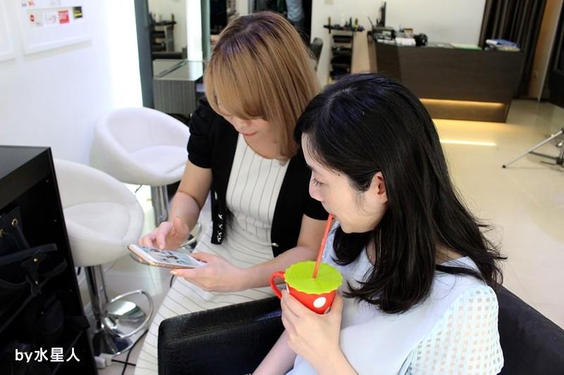 27841433562 da6dc2b756 b - 熱血採訪。台中北區【YORK Salon】人生中第一次染髮記錄,剪燙染護一次完成!