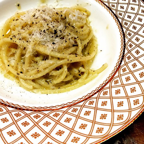 Day 19: Delicious  #decemberreflections  This cacio e pepe from #rosesluxury. Mindblowingly good.