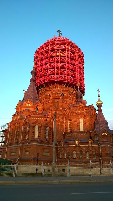 Богоявленская церковь в лесах // Church of the Epiphany in scaffolding