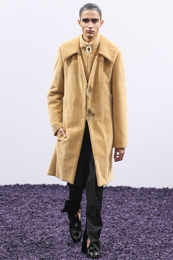 FW15 London J.W. Anderson023_Xavier Hickman(VOGUE)