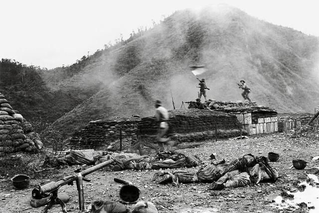 Vietnam War Photo - Quảng Trị 1972. Quân GP đánh chiếm căn cứ Đầu Mầu