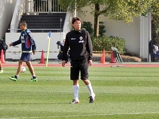 2010年まで町田でプレーした経験を持つ深津康太選手も先発で出場