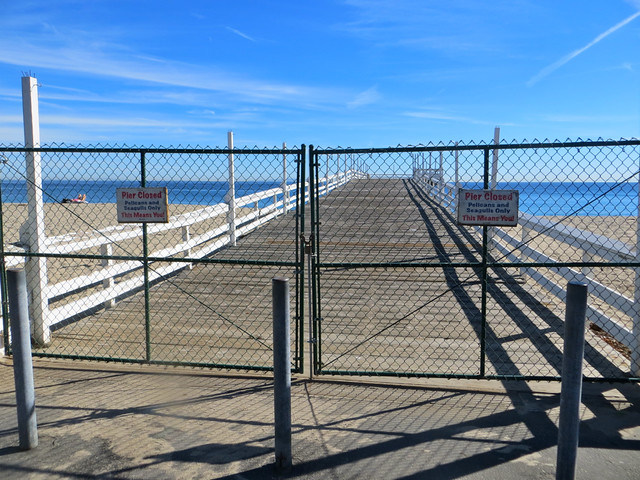 closed: paradise cove pier