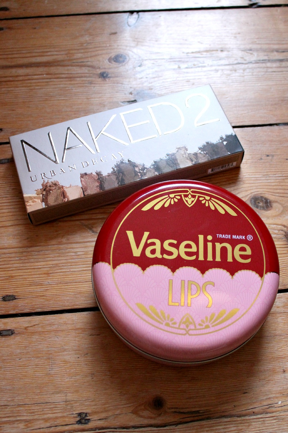 urban decay naked 2 palette and vaseline lips tin