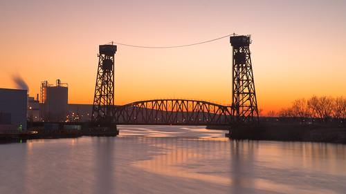 bridge sunset chicago cold river rail calumet verticallift