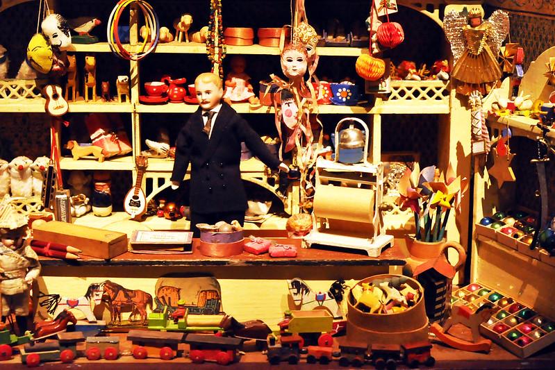 Spielzeug Museum Puppen Puppenstuben Puppenküchen Puppenläden Deutschordenmuseum Bad Mergentheim Foto Brigitte Stolle