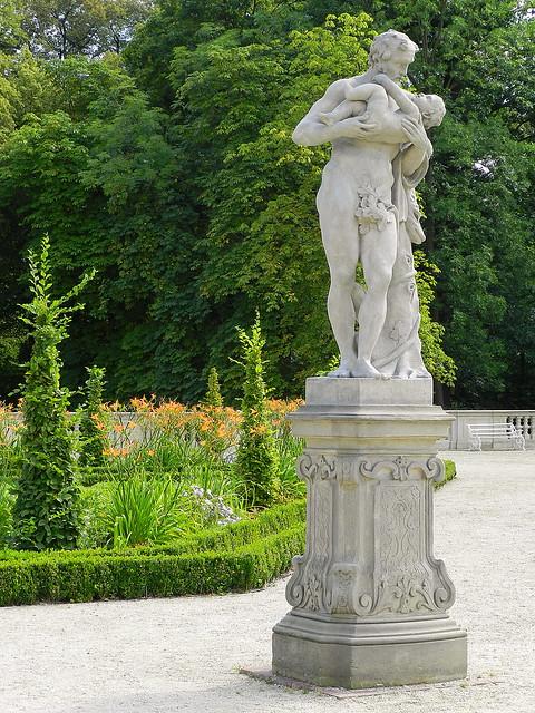 Ogród pałacu w Wilanowie. Warsaw. Poland
