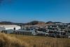 大河原工業団地に沿って行く・・・多峯主山(左端)と龍崖山(中央)が良く見える
