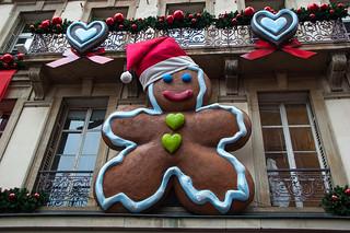 Décorations de Noël en pain d'épice géant