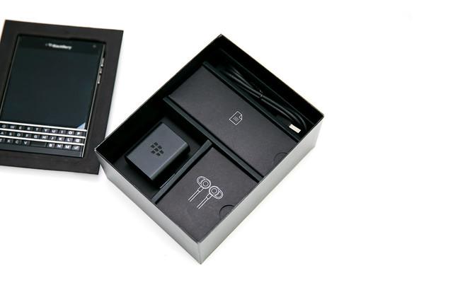 最正的手機 BlackBerry Passport (Q30) 高畫質開箱 @3C 達人廖阿輝