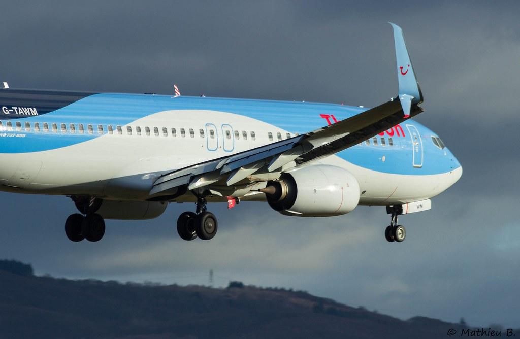 Aéroport Grenoble-Isère LFLS-GNB 16078200310_745e6d3081_b