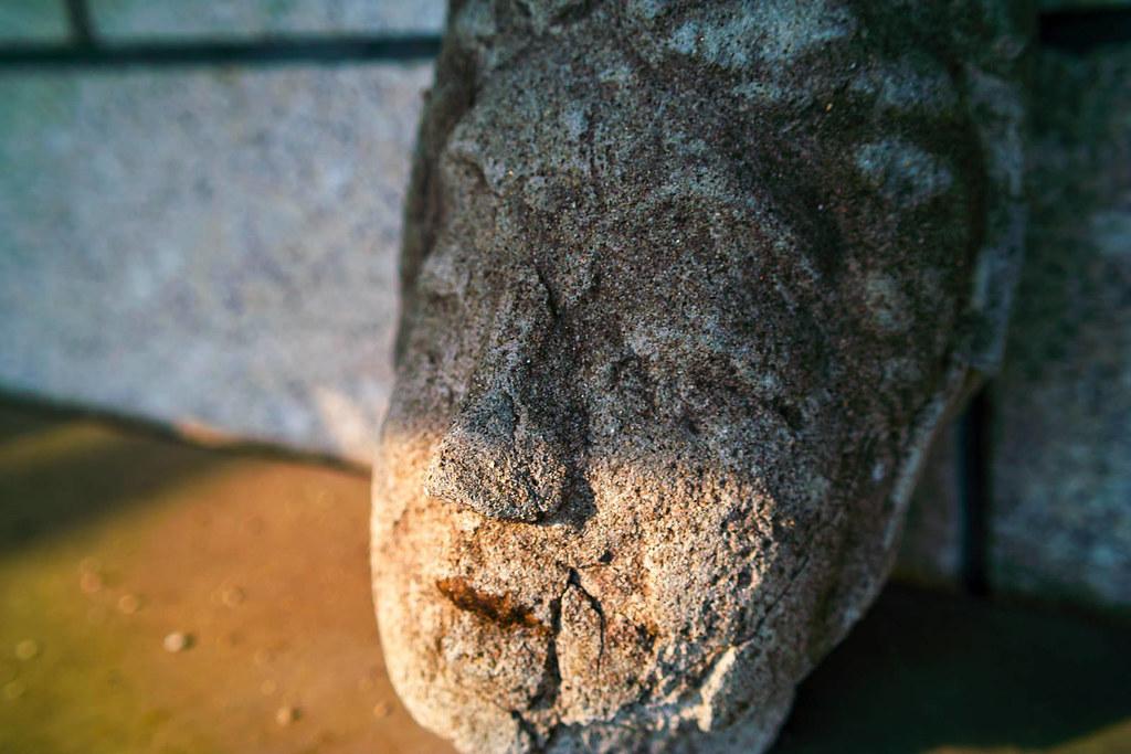 仏像の生首