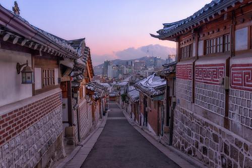 city winter sunset sky snow cold rooftop architecture village clear seoul southkorea 2014 bukchonhanok arcreyes