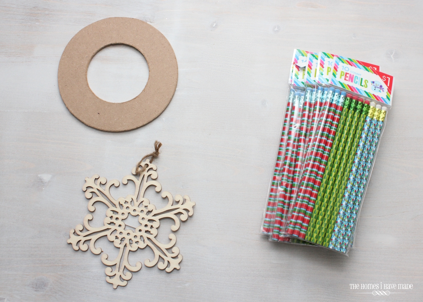Pencil Starburst Wreath-003