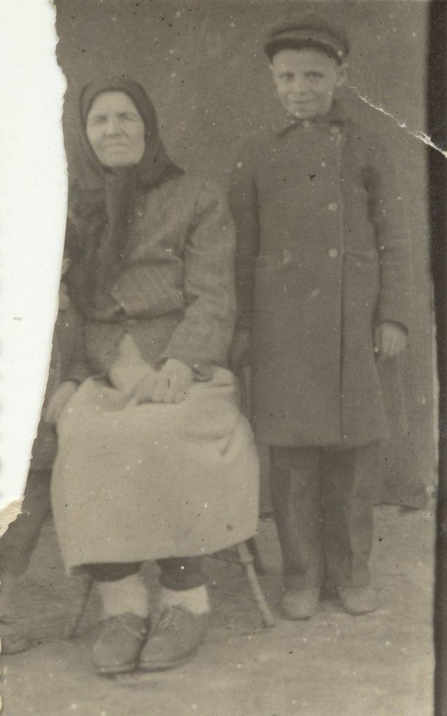 папа с бабушкой 1944