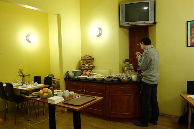 006 - En el hotel