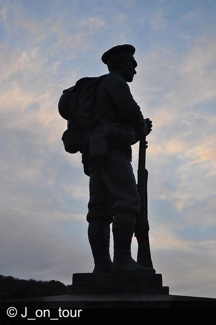 Memorial silhouette GJC_014568