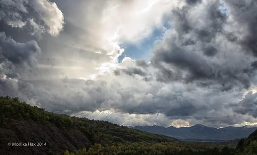 sky france mountains clouds montagne automne landscape frankreich herbst himmel wolken berge ciel nuages paysage landschaft provencealpescôtedazur canonef24105mmf4lisusm hauteprovence eos6d valernes oktober2014