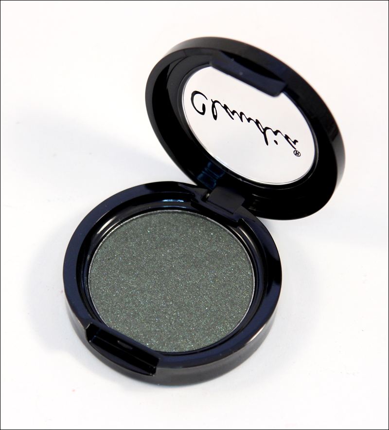 Claudia shimmering olive eyeshadow single