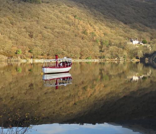 767  Llyn Padarn Snowdon Star Reflections