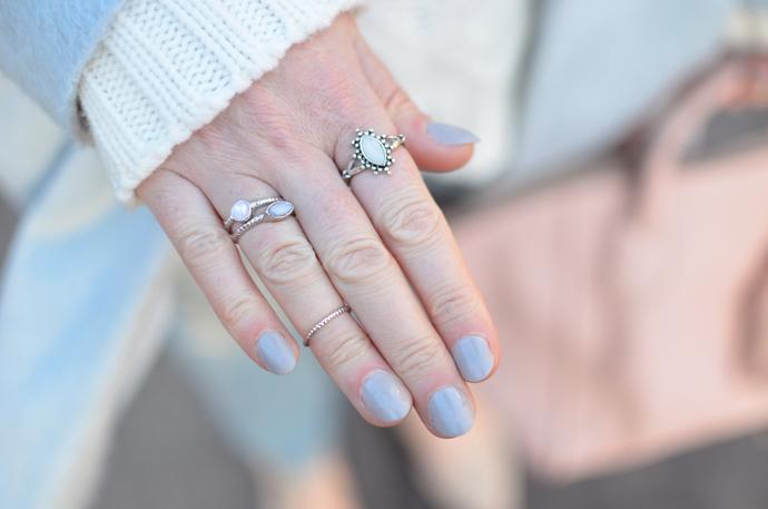 pastel-blue-nails