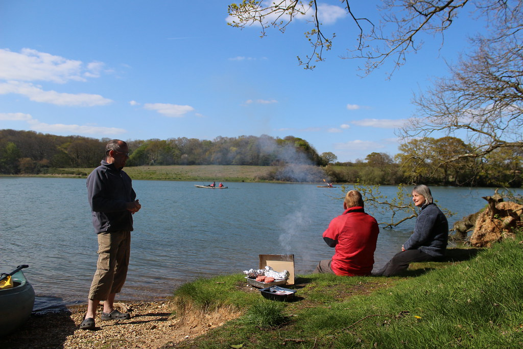 Canoeists BBQing on the Hamble