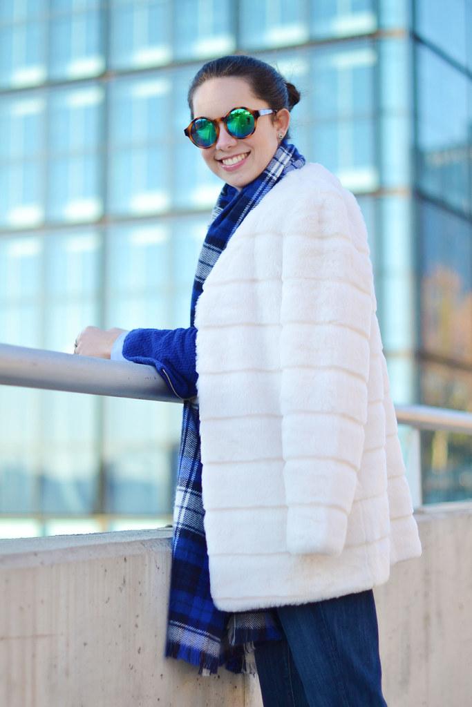 Cómo sorprender este invierno con tu look azul eléctrico