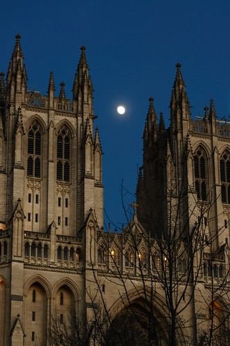 Moon over National Cathedral (01)