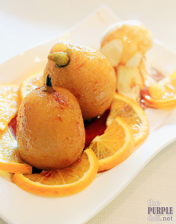 Poached Pear with Vanilla Gelato (P285)