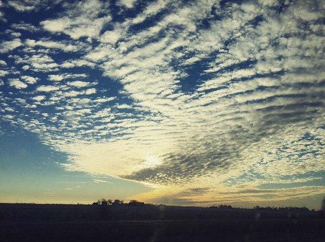 Fanned #clouds #sky #enjoyillinois #goodmorning