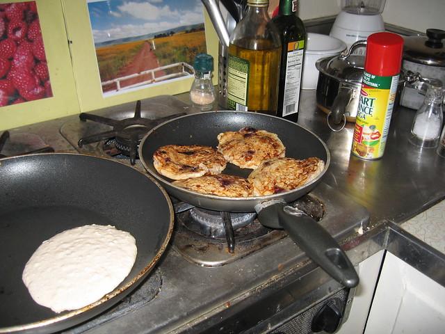 Pancakes, Canon IXY DIGITAL 700