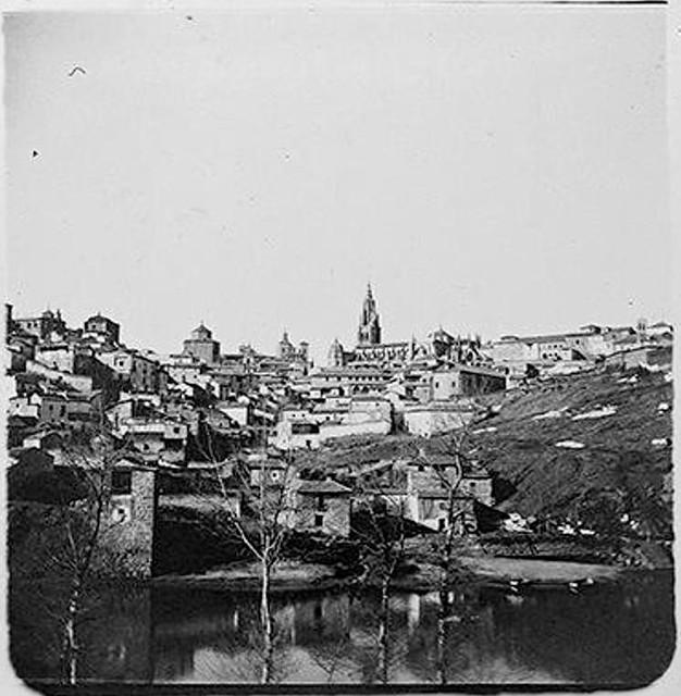 Torre del Hierro y vista de Toledo en 1904. Fotografía de Augusto T. Arcimis © Fototeca del IPCE, MECD. Signatura ARC-0739_P