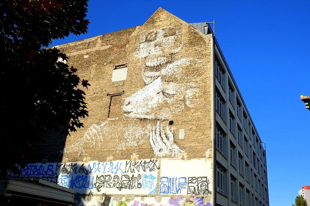 mural   alaniz   berlin . neuwestberlin