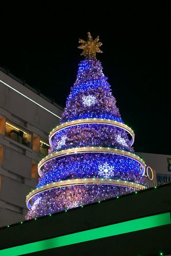 池袋駅前のクリスマスツリー